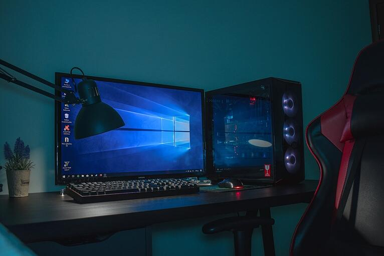 gaming chair desktop dark